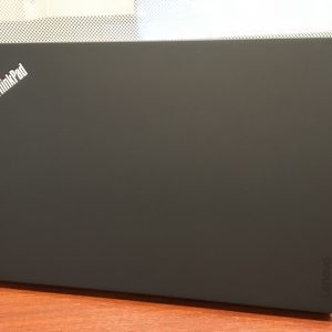 ThinkPad X1 Carbon 2017の天板