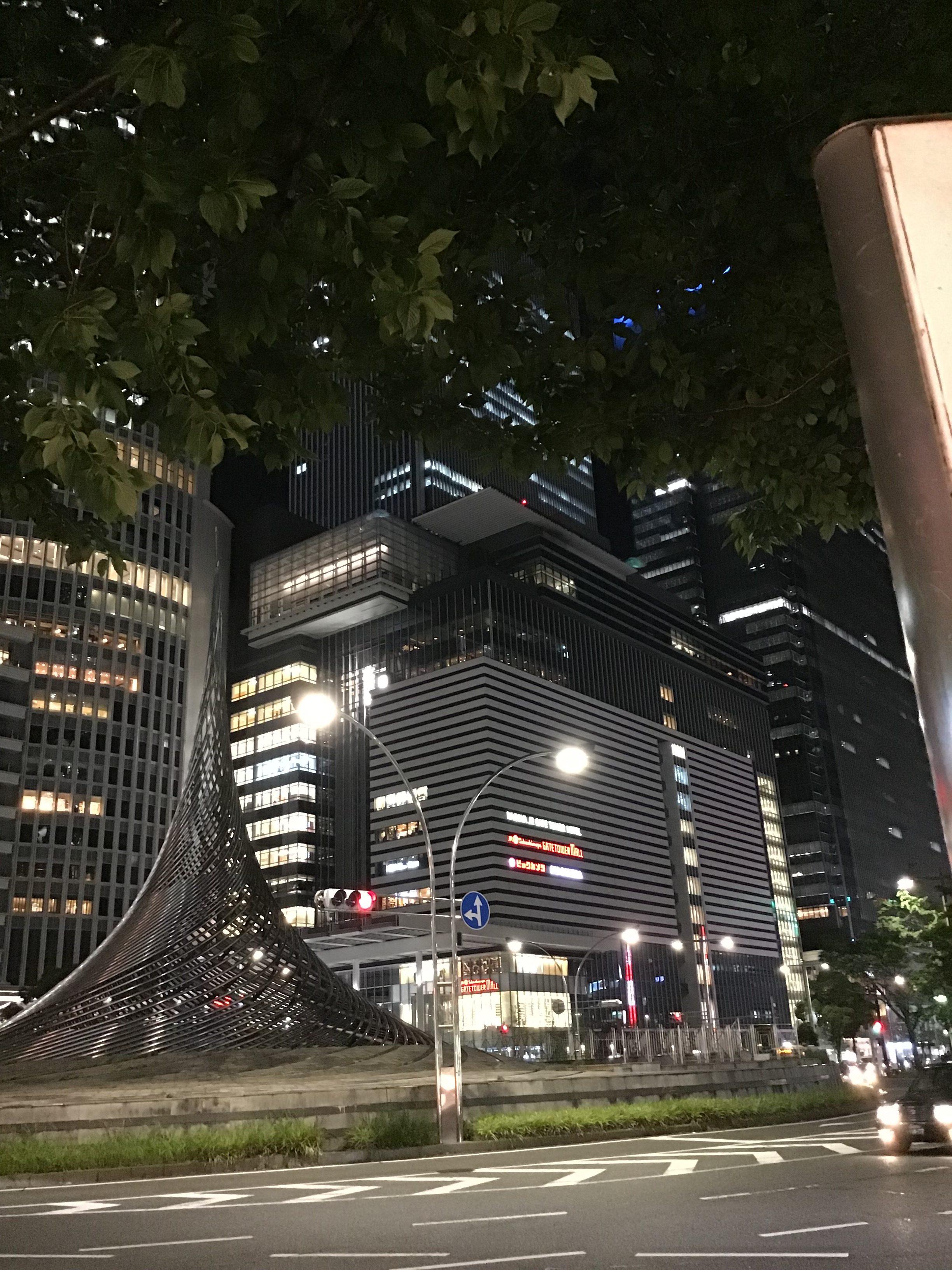 名古屋駅ビル夜